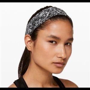 Lululemon Fly Away Tamer Headband II